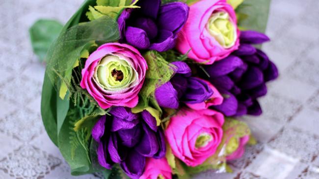 Cvety_iz_gofrirovannoj_bymagi_02-650x366