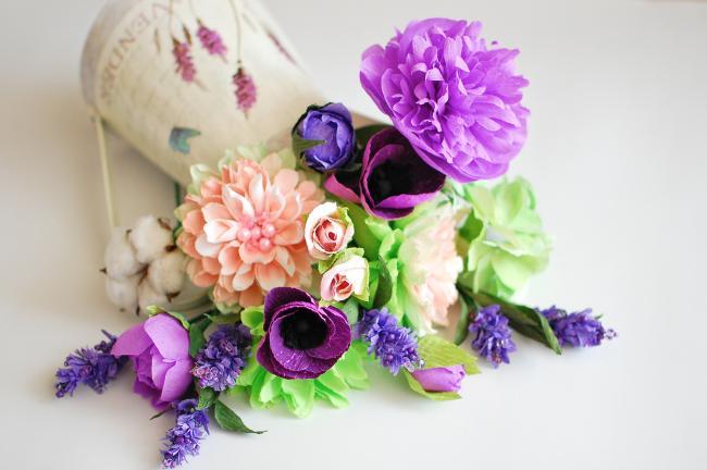 Cvety_iz_gofrirovannoj_bymagi_34-650x432