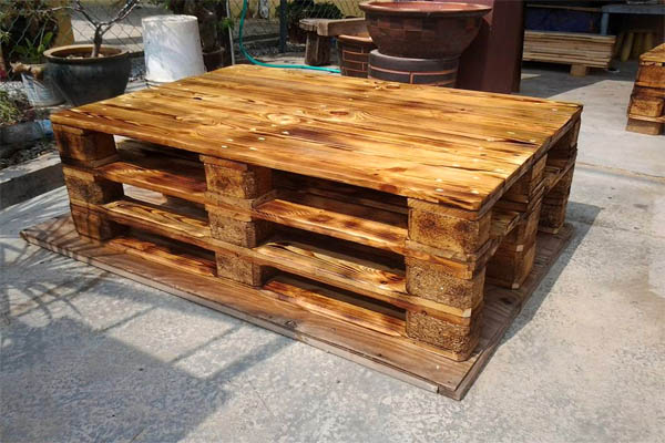 scorched-3-pallet-coffee-table
