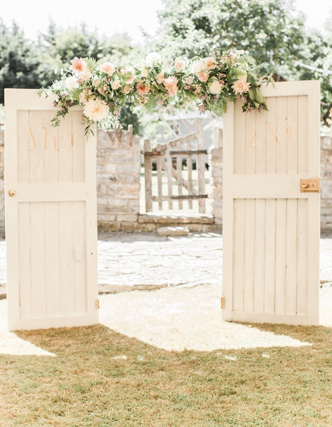 002-Ceremony-Door-Arches-Altars-on-SouthBoundBride