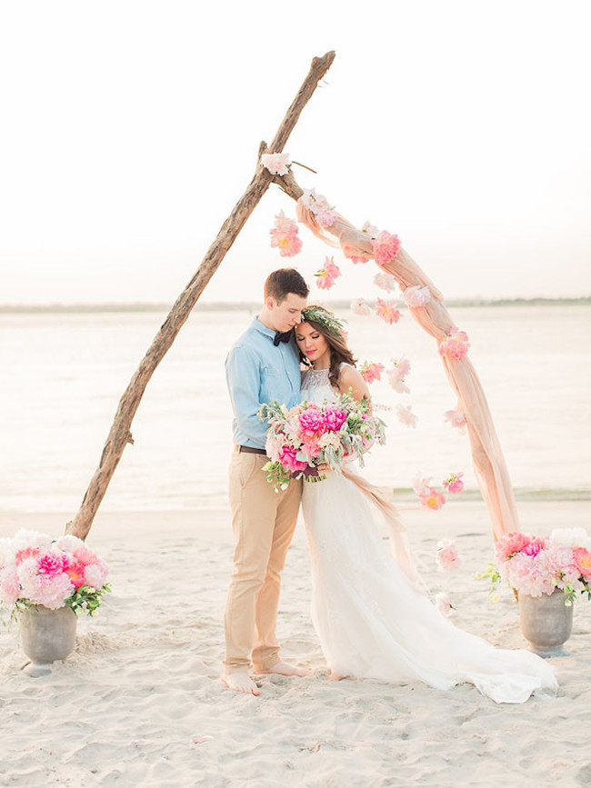 004-Beach-Wedding-Ceremony-Setups-on-SouthBoundBride