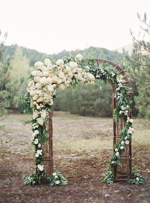 004-southboundbride-floral-wedding-ceremony-arches