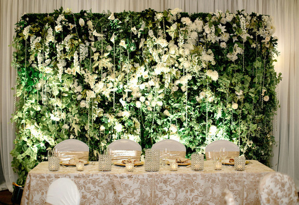 009-southboundbride-wedding-trend-flower-walls-backdrop