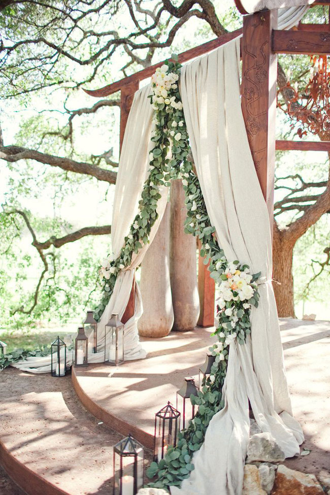 010-Romantic-Draped-Ceremony-Arches-on-SouthBoundBride
