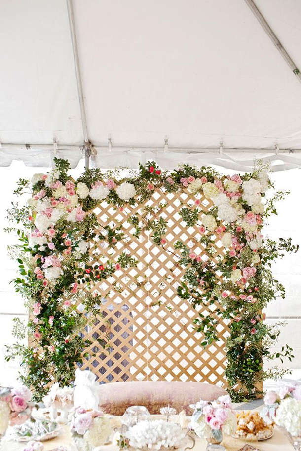 011-southboundbride-wedding-trend-flower-walls-backdrop