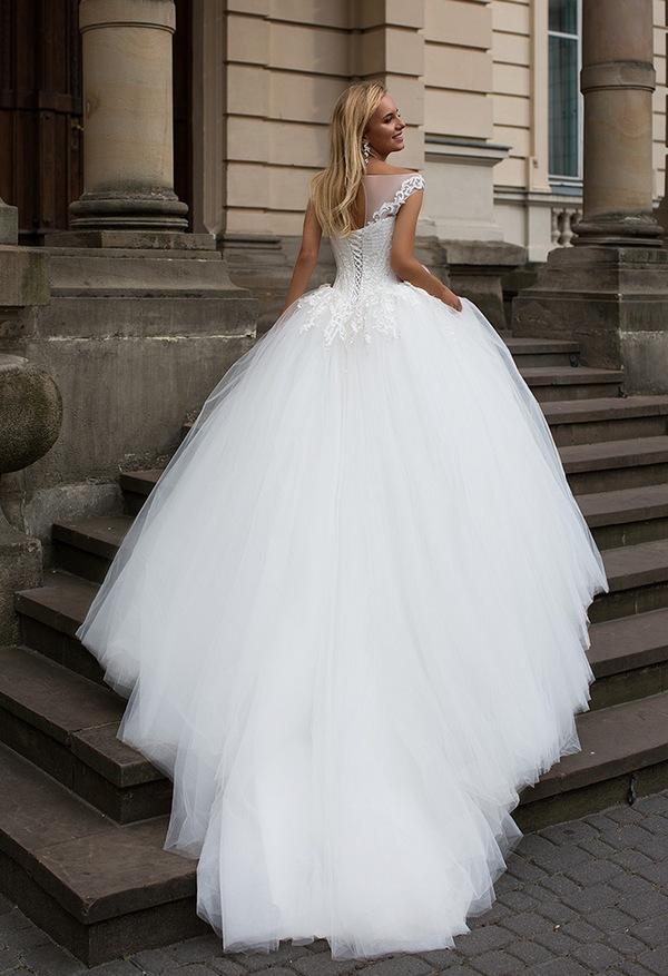 Oksana-Mukha-Wedding-Dresses-2017-Adelaide-1