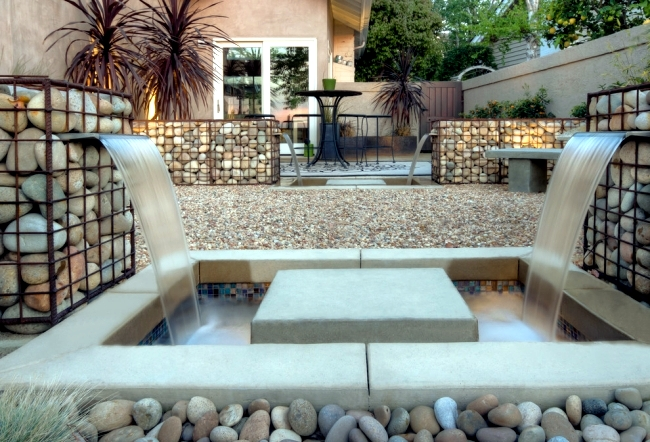 build-raised-beds-benches-and-gabion-fence-itself-gabions-in-the-garden-0-1126600596