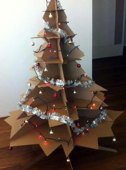 Как сделать большую елку из картона своими руками 5